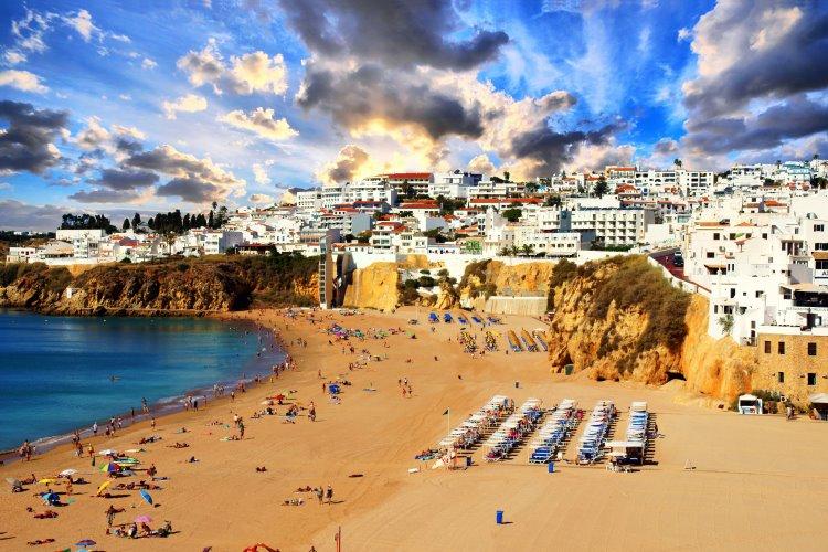 Badeurlaub Albufeira – beliebter Urlaubsort an der Algarve