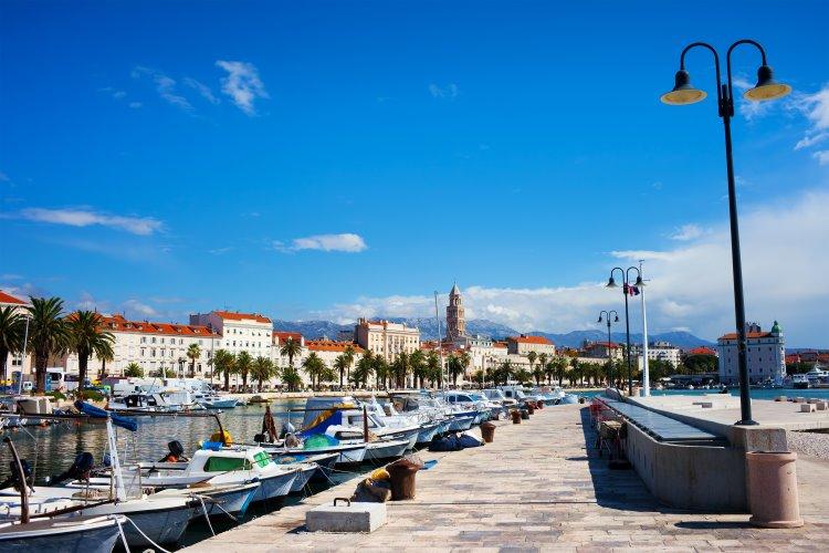 Split – schöne Hafenstadt in Dalmatien