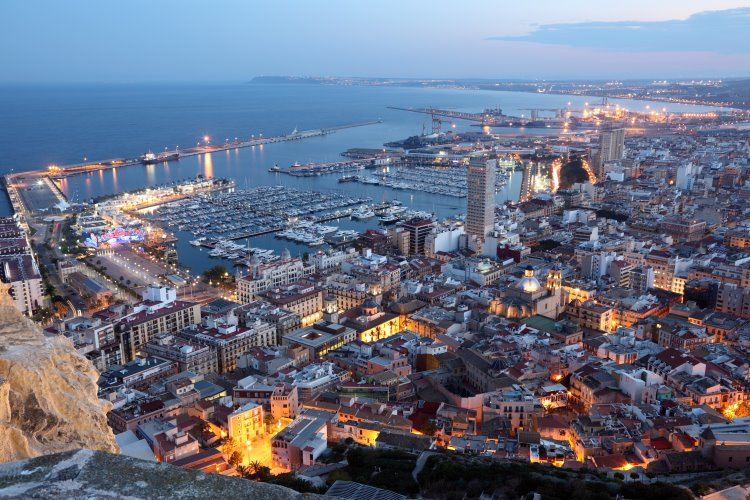 Spanische Hafenstadt