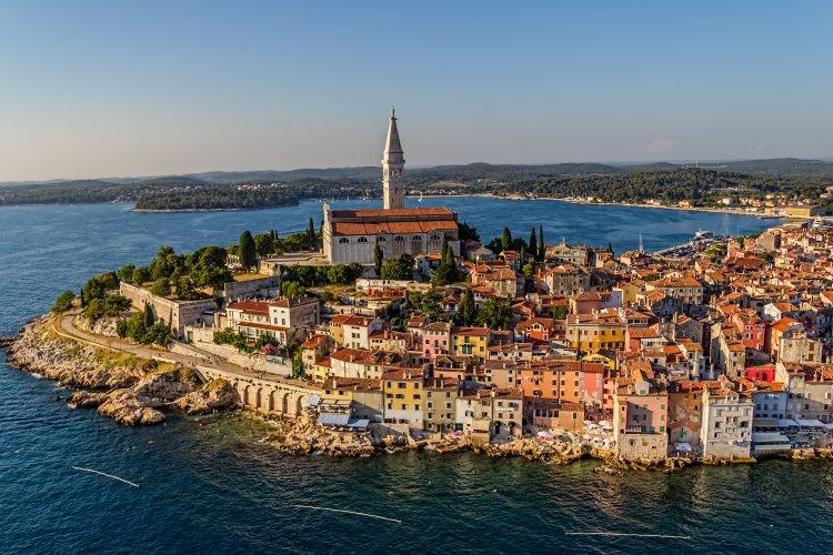 Rovinj – Stadt mit malerischer Kulisse und beliebter Badeort