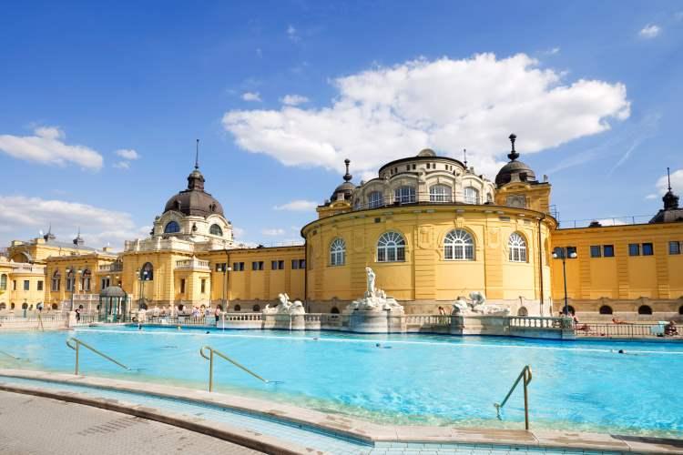 Széchenyi-Heilbad Budapest – das größte Heilbad in ganz Europa