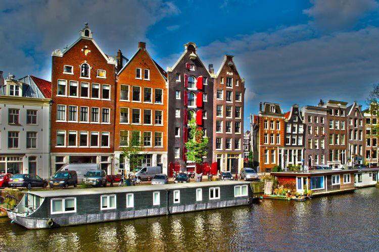 5 coole Bars und Clubs für eine Partynacht in Amsterdam